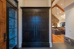 Make front door closet look like built-in furniture. First impressions count! Mountain Home Exterior, Mountain House Plans, Modern Farmhouse Exterior, Modern Farmhouse Style, Modern Ranch, Barn House Design, Modern House Design, Rural House, Farm House