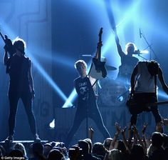 5 seconds of summer on the stage hd