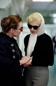 My Week With Marilyn / Costume Design by Jill Taylor. Zoe Wannamaker and Michelle Williams Jill Taylor, Elizabeth Taylor, My Week With Marilyn, Head Scarf Tying, Michelle Williams, Movie Costumes, Retro Outfits, Costume Design, Style Icons