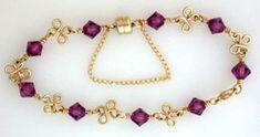 Cuatro proyecto la elaboración de joyas trébol pulsera hecha con perlas, alambre y joyas suministros.