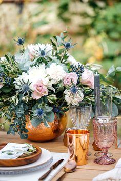Styled Shooting   Eukalyptus   Disteln   Olivzweige   Rosen   Nelken  Gewächshaus   Kupfer   Copper   Marble   Menükarte    Table   Tabledecoration   Blumen   Flower