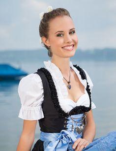 #Farbbberatung #Stilberatung #Farbenreich mit www.farben-reich.com Trachten-Halsketten