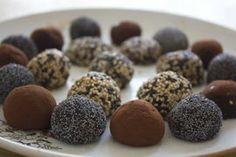 Trufas de chocolate blanco y negro veganas en HazteVegetariano.com