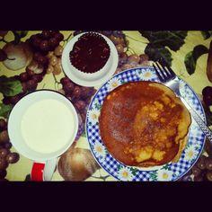 Pancake, chocolate cupcake and hot milk... burp!