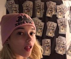 Baby Pink Aesthetic, Aesthetic Grunge, Aesthetic Girl, Beats By, Fake Girls, These Girls, Sarah Snyder, Girl Tongue, Cool Makeup Looks