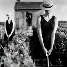 Rodney Smith, 'Women with Baskets in Vineyard Reims, France', 1997 Portrait Photography Tips, Photography Backdrop Stand, Photography Courses, Photography Women, Light Photography, Black And White Photography, Landscape Photography, London Photography, Iphone Photography