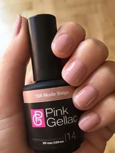 Pink Beauty Club shared Lisa Stes's photo. Helemaal verliefd op deze nieuwe kleur!!