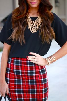 Spring / Summer - Fall / Winter - party style - street chic style - red and navy plaid pencil skirt + navy oversized t-shirt  + golden statement necklace + black handbag + black stilettos