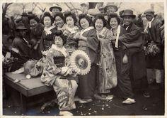 Group portrait taken in Japan between 1914 and 1918