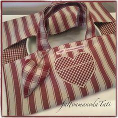 Porta torte in cotone a righe borbò con cuore grande applicato, by fattoamanodaTati, 22,00 € su misshobby.com