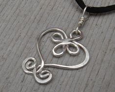 Coeur celtique en argent Sterling pendentif  par nicholasandfelice, $16.50