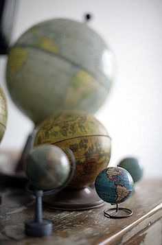 It's back to school time, so it seemed like a fitting week to address vintage globes! I've briefly mentioned vintage globes before , but di. Globe Art, Map Globe, Vintage Globe, Vintage Maps, World Globes, Vintage Suitcases, Old Maps, What A Wonderful World, Pink Wallpaper