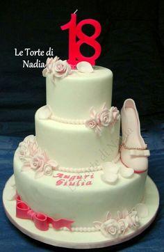 """Torta """"Diciotto anni"""" Info: 389 9355816 - anche su WhatsApp Via Brigate Partigiane, 1 Cisterna di Latina"""