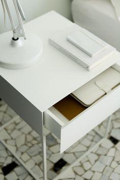 Chest of drawers / Bedside tables EN