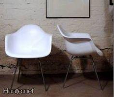 Valkoinen Eames DAX tuoli (1/2)