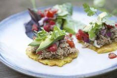 Tostones con carnitas y pico de gallo!! (Translates to DELICIOUS!) | Everyday Paleo