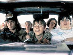 Con tan solo 19 años, DiCaprio logró su primera nominación a los premios Oscar, en 1994, por What's Eating Gilbert Grape, en la que interpreta a un chico con problemas mentales.