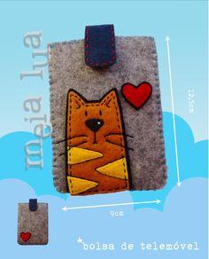 bolsa telemóvel em feltro / felt phone pouch  https://www.facebook.com/MeiaLua.SL