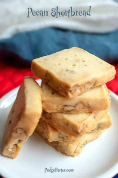 This all butter shortbread is filled with toasted pecans. It is delicious and elegant, but simple to make! Pecan shortbread is the perfect cookie. Galletas Cookies, No Bake Cookies, Cake Cookies, Cupcakes, Pecan Shortbread Cookies, Shortbread Biscuits, Shortbread Recipes, Cookie Recipes, Dessert Recipes