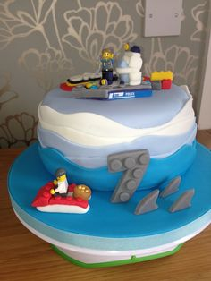 Lego police & robber sea chase cake by Louise McGlasson