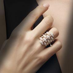 Churidhar Designs, Basic Mehndi Designs, Jewelry Design Earrings, Ring Earrings, Jewelry Accessories, Diamond Bracelets, Diamond Jewelry, Hand Jewelry, Jewelry Rings