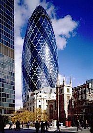 The Gherkin London 2001 Architect: Norman Foster, Ken Shuttleworth Norman Foster, Amazing Buildings, Amazing Architecture, London Architecture, Foster Architecture, Contemporary Architecture, Architecture Design, Gherkin London, Swiss Re