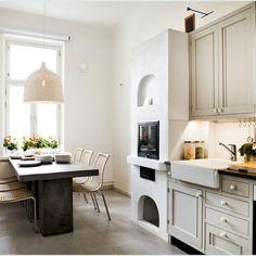 Klassinen keittiö 08 Kitchen Cabinets, Table, Furniture, Decoration, Home Decor, Decor, Decoration Home, Room Decor, Kitchen Base Cabinets