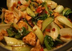 Warm baby pak choi salad with chicken breast fillet stripes - Healthy Food for Vegetarian Vegetarian Protein, Healthy Protein, Healthy Salads, Vegetarian Recipes, Healthy Recipes, Healthy Food, Pak Choi Salat, Baby Pak Choi, Chicken Breast Fillet