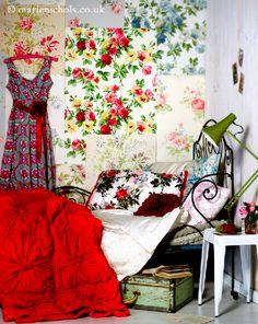 Rose wallpapers in a bedroom