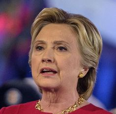 CAUGHT! Hillary Wore Earpiece Radio Receiver During Live TV Townhall Event; Needed words fed to her to answer questions!