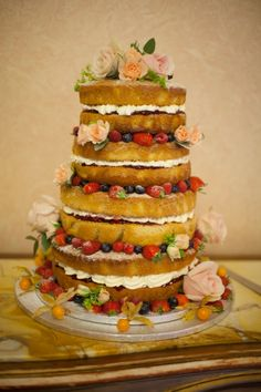 Beautiful English country wedding cake