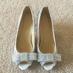 Crystal pumps size 39 used Worn but in great condition, size 39. Crystal low heel pumps, absolutely gorgeous Shoes Heels