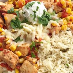 Tex-Mex chicken is made in the slow cooker with only 5 easy ingredients! Set it and forget it dinner. Serve as rice bowls, inside burritos, or nachos. Slow Cooker Recipes, Soup Recipes, Chicken Recipes, Cooking Recipes, Yummy Recipes, Tex Mex Chicken, Chicken Rice Bowls, Pasta Salad Italian, Healthy Dinner Recipes