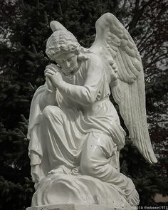 Angel Statue | An angel statue at the Sisters of the Preciou… | Flickr