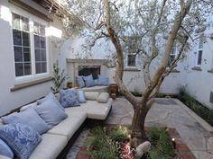 California courtyard... In love!