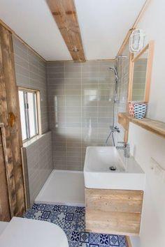 Dit is de nieuwe badkamer in het mooie vakantiehuisje genaamd: Ocean lodge! #hippe #vakantiehuisjes #glamping #badkamer #stoerbuiten