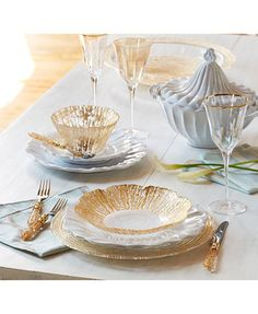 Gold Home Accessories Place Settings - Vietri Rufolo Glass Gold Collection Small Deep Bowl Gold Vase Deco, Gold Home Accessories, Beautiful Table Settings, Gold Table, Elegant Dining, Dinnerware Sets, Holiday Dinnerware, Kids Decor, Tablescapes