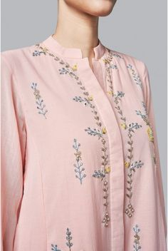Shop from an exclusive range of luxurious wedding dresses & bridal wear by Anita Dongre. Bring home hand-embroidered wedding wear in colors inspired by nature. Embroidery Suits Punjabi, Embroidery Suits Design, Gota Patti Suits, Modest Fashion, Fashion Dresses, A Line Kurti, Ethenic Wear, Neck Designs For Suits, Ethnic Outfits