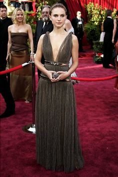 Oscars fashion: Best red carpet gowns from past years - slide 24 - NY Daily News