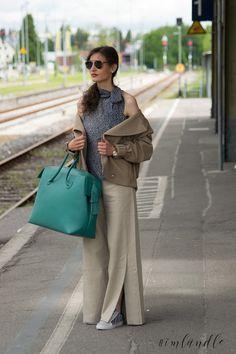 Tolles Sommeroutfit der Marke Fonnesbech aus dem Chicsaal in Balingen. Edle Materialien gepaart mit ausgefallenem Design und zauberhaft präsentiert von Model Theresa aus Ludwigsburg.