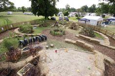 Naturnaher Spielplatz, mit wenigen Mitteln abwechslungsreich gestaltet
