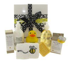 Buzzy Bubby bath time baby hamper. Organic baby lotions. #babygifts #babyhampers #organichampers
