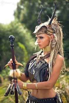 Viking Halloween Costume, Vikings Halloween, Halloween Outfits, Viking Warrior Woman, Warrior Girl, Warrior Princess, Fantasy Female Warrior, Fantasy Women, Fantasy Girl