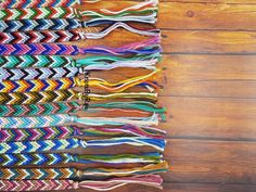 Skinny chevron friendship bracelets available in many colour combinations. These thin bracelets will ass the needed pop of colour to any wrist. Colour tones range from bright and bold to simple. Chevron Friendship Bracelets, Friendship Bracelets Tutorial, Bracelet Tutorial, Thread Bracelets, Loom Bracelets, Macrame Bracelets, String Bracelets, Bracelet Crafts, Micro Macrame