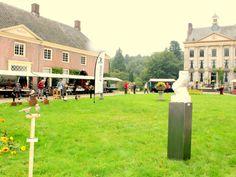 Kunstmarkt en Wijnproeverij bij kasteel ter Horst 2015.
