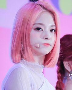 South Korean Girls, Korean Girl Groups, Cute Girls, Cool Girl, Anime Sisters, Pretty Asian, Japan Girl, Pastel Hair, Cute Korean