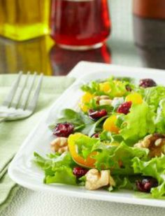 Garlic Dijon Vinaigrette Salad Dressing | via @SparkPeople #food #recipe #healthy #homemade