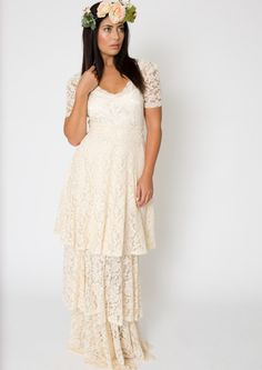 two-in-one-wedding-dress-done-in-stretch-lace