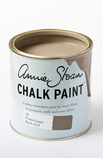Chalk Paint® by Annie Sloan old style tin in Louis Blue, a clean pastel blue. Annie Sloan first developed her signature range of furniture paint in calling it 'Chalk Paint' because of this decorative paint's velvety, matte finish. Tinta Chalk Paint, Blue Chalk Paint, Pink Chalk, How To Use Annie Sloan Chalk Paint, Chalk Paint Brands, Chalk Paint Kitchen, Painting Kitchen Cabinets, Paint Bathroom, Murs Roses