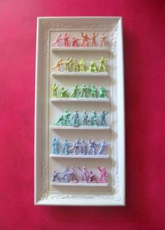 Pastel colored toy soldiers. So cute and easy to diy. I must try. Source unknown.